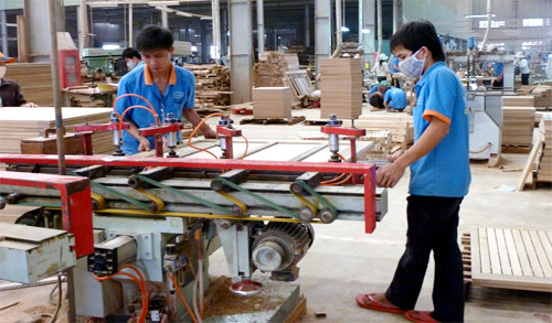 Foreign furniture firms shift businesses to Vietnam